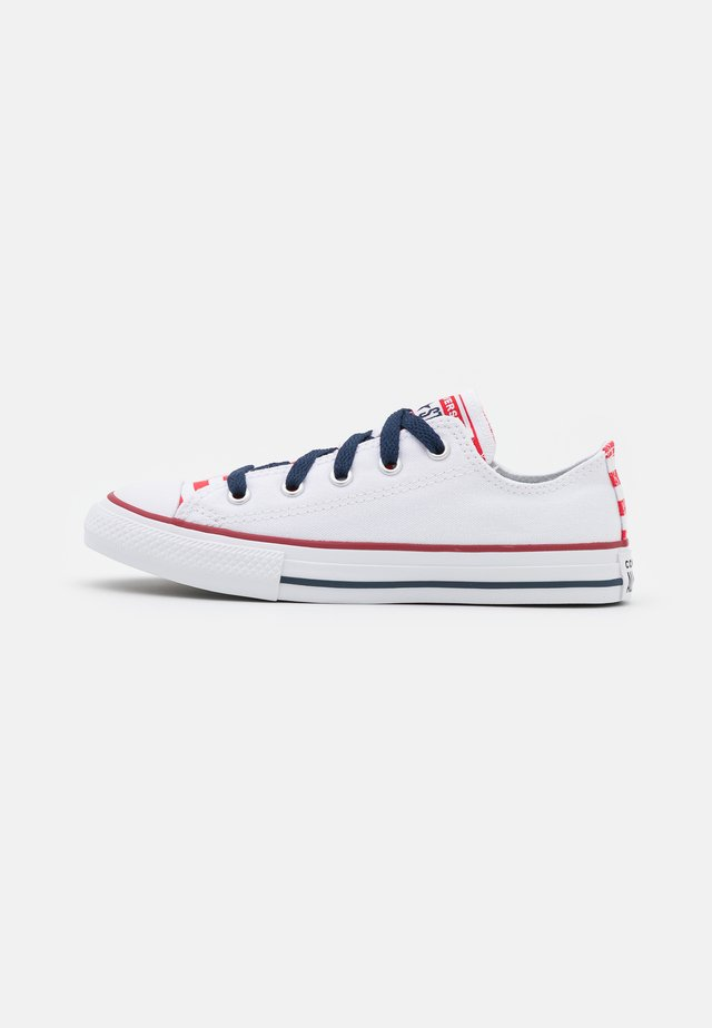 CHUCK TAYLOR ALL STAR AMERICANA UNISEX - Trainers - white/university red/midnight navy