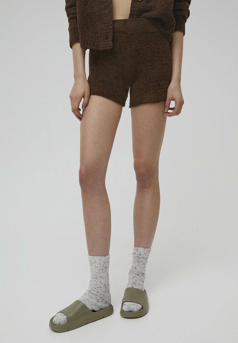 PULL&BEAR - Shorts - brown
