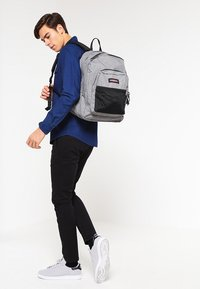 Eastpak - PINNACLE - Rucksack - sunday grey - 0