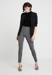 Fiveunits - ANGELIE - Spodnie materiałowe - grey melange - 1