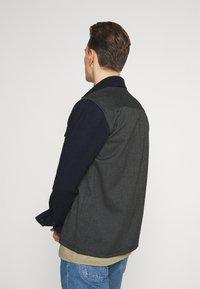 Selected Homme - SLHNORMAN O NECK TEE - Basic T-shirt - aloe - 4