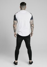 SIKSILK - Print T-shirt - white - 2