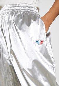 adidas Originals - JAPONA - Pantalones deportivos - silver - 6
