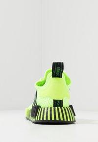adidas Originals - NMD R1 - Matalavartiset tennarit - signal green/core black - 3
