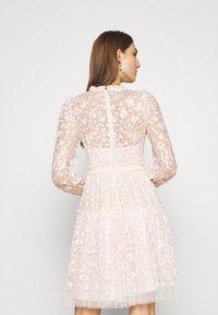 Needle & Thread - EMILANA DRESS - Koktejlové šaty/ šaty na párty - champagne - 2