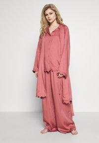Underprotection - JANE - Pyjama top - coral - 1