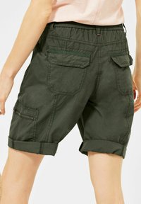 Cecil - Shorts - utility olive - 2