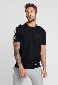 Champion - MLB MULTITEAM CREWNECK - Club wear - black - 0