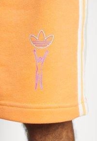 adidas Originals - LOVE UNITES UNISEX  - Short - multicolour - 7
