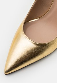 Patrizia Pepe - High Heel Pumps - gold star - 6