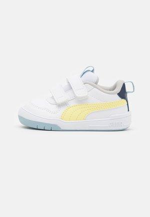 MULTIFLEX UNISEX - Scarpe da fitness - white/yellow pear