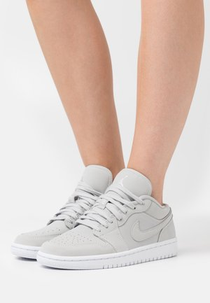 AIR 1 - Joggesko - grey fog/white