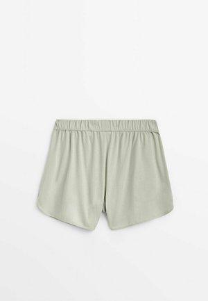 KURZE  - Shorts - evergreen