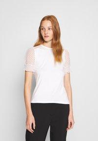 Dorothy Perkins - DOBBY PUFF SLEEVE  - Print T-shirt - white - 0