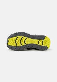 Keen - NEWPORT NEO H2 UNISEX - Walking sandals - black/evening primrose - 4