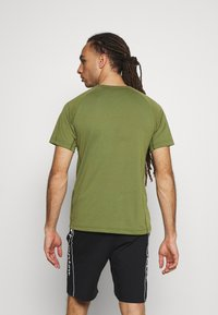 Champion - CREWNECK - Print T-shirt - khaki - 2