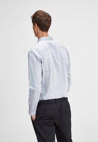 Jack & Jones PREMIUM - Shirt - grey melange - 2