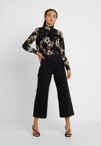 ONLY - ONLTHEA SMOCK   - Blouse - black - 1