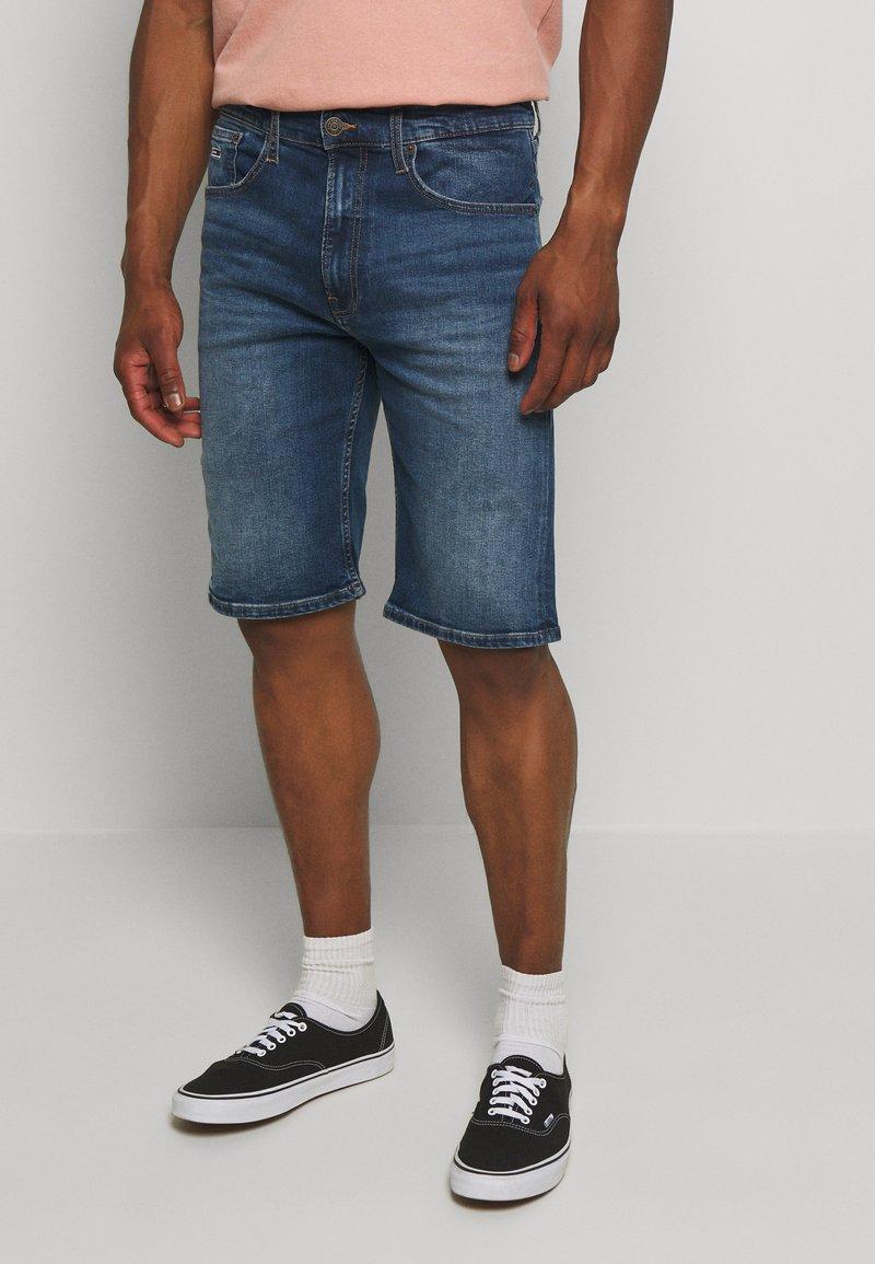 Tommy Jeans - Szorty jeansowe - blue denim