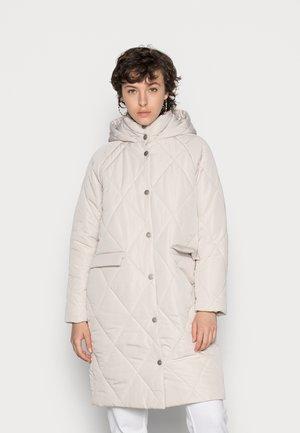 ONLGIOGIA HOOD QUILT JACKET - Winter coat - pumice stone