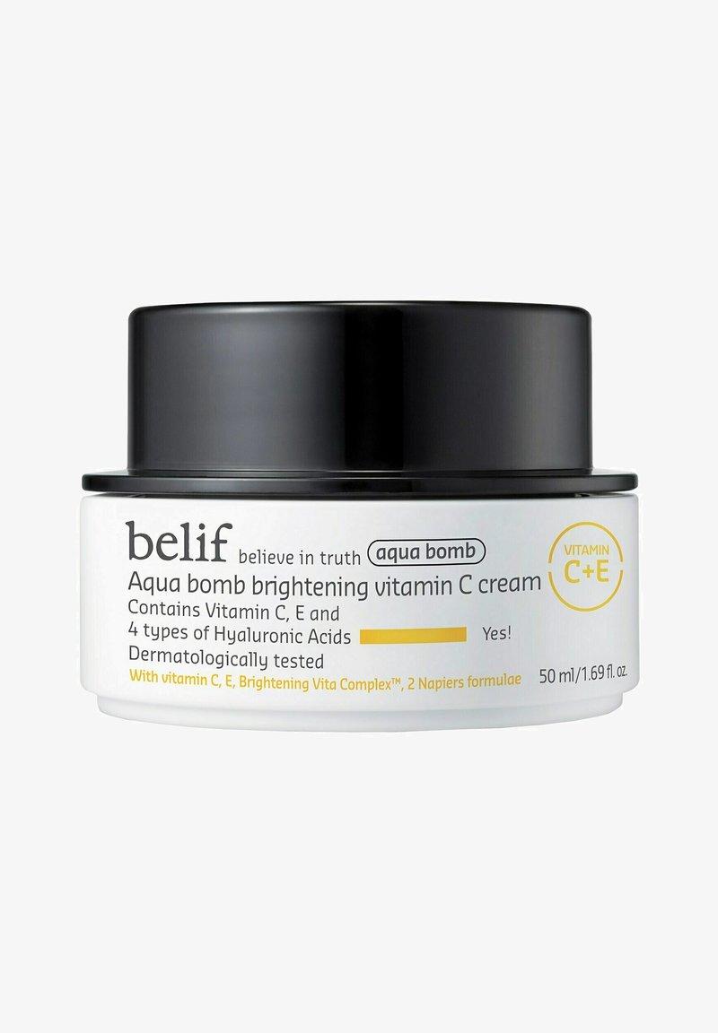 Belif - AQUA BOMB BRIGHTENING VITAMIN C CREAM - Face cream - aqua bomb vita water cream 50ml