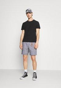 Jack & Jones PREMIUM - JJIMILTON CHINO - Shorts - navy blazer - 1