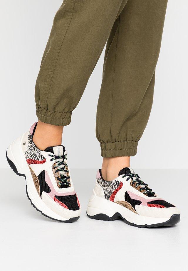VALDERICE - Sneakers basse - black