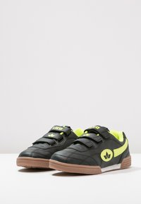 LICO - BERNIE - Baskets basses - schwarz/lemon - 2