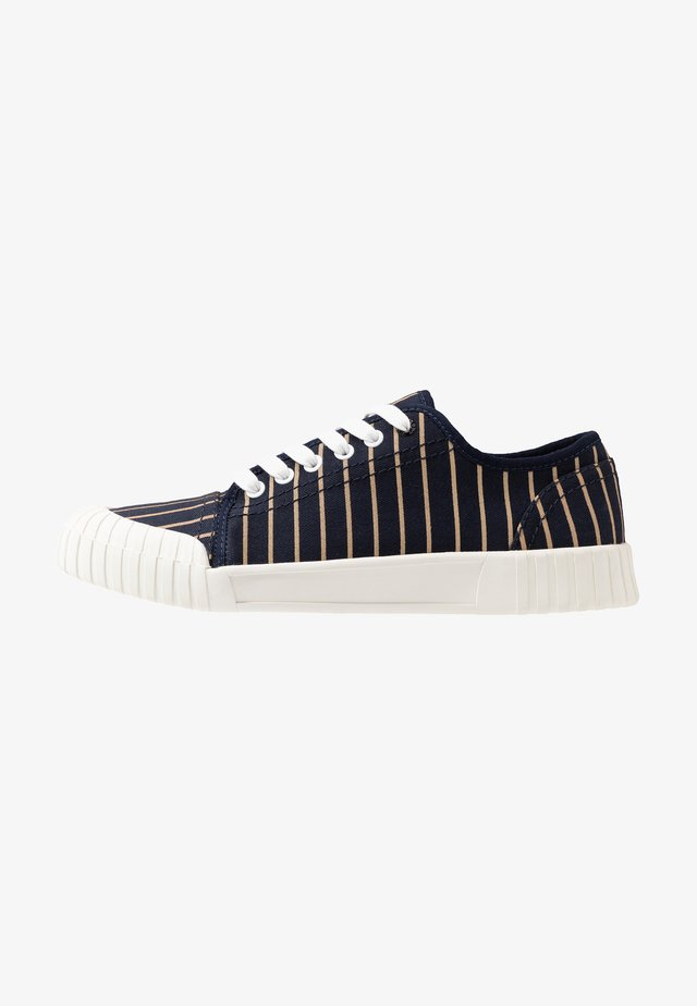 HURLER - Sneakers - navy/brown