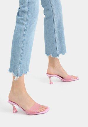 MIT ABSATZ AUS METHACRYLAT - Pantofle na podpatku - pink
