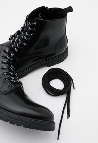 LAST STUDIO - CAIO POLIDO - Lace-up ankle boots - black - 5
