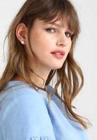 Pilgrim - EARRINGS GRACE - Örhänge - silver-coloured - 1