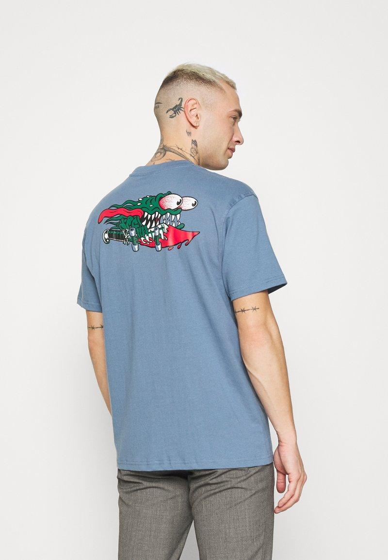 Santa Cruz - SLASHER UNISEX - Print T-shirt - dusty blue