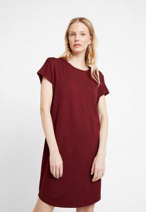 DRESS OVERCUT SHOULDER - Jersey dress - deep merlot