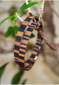 LAIMER - LAiMER Wickel-Armband aus Sandelholz - S1109 - Bracelet - brown - 1