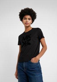 MICHAEL Michael Kors - BABY TEE - Print T-shirt - black - 0