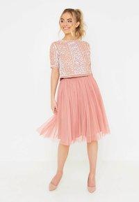 BEAUUT - Áčková sukně - dusty pink - 0
