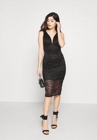 WAL G PETITE - V NECK MIDI DRESS - Sukienka etui - black - 1
