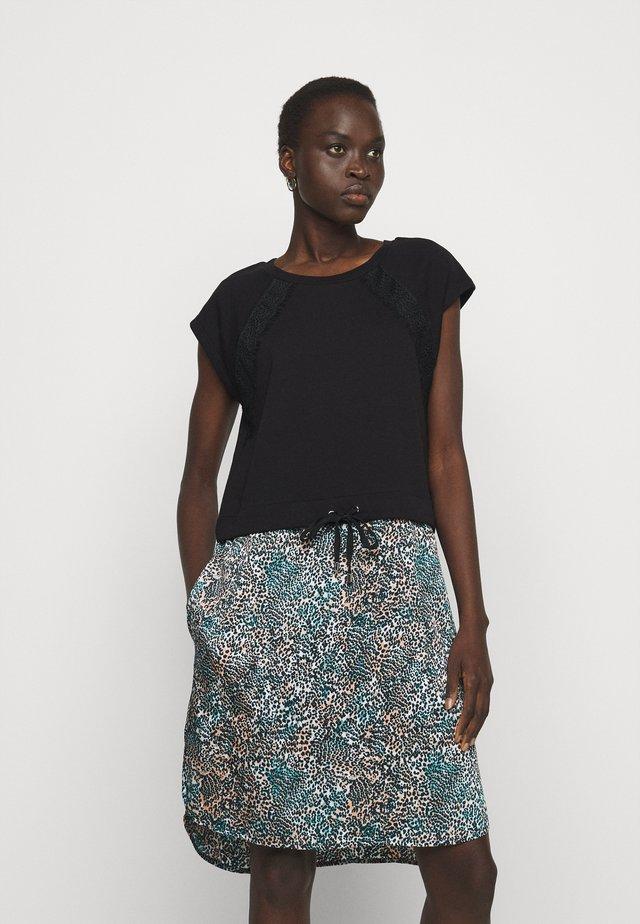 Sukienka letnia - black/gemstone/ivory/multi