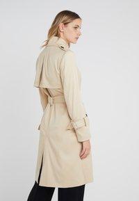 DRYKORN - WENTLEY - Trenchcoat - beige - 2