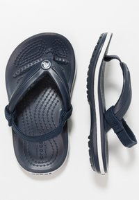Crocs - CROCBAND STRAP FLIP RELAXED FIT - Pool shoes - navy - 0