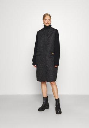 ANNIE GILET - Vest - black
