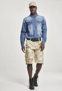 Brandit - VINTAGE  - Shorts - sand - 1