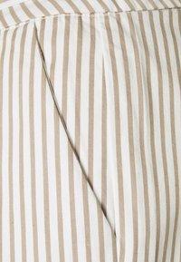 Vero Moda Tall - VMEVA PAPERBAG  - Shorts - snow white/silver mink - 2