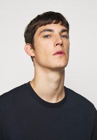 J.LINDEBERG - SILO TEE - T-shirt basic - navy - 4