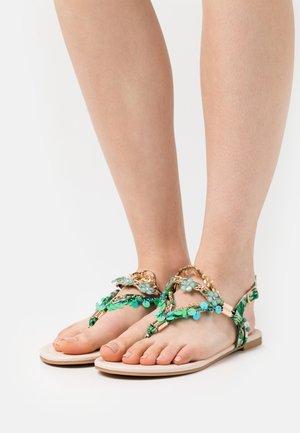 VEGAN REBECCA - Sandály s odděleným palcem - green