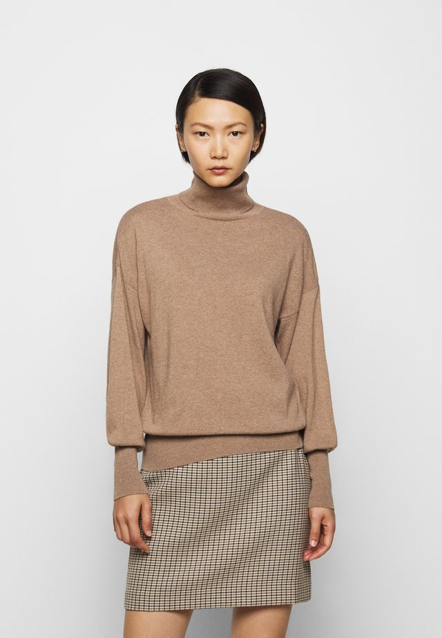 TURTLE NECK - Strickpullover - camel