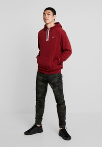 Hollister Co. - ICON PO  - Hoodie - burgundy - 1