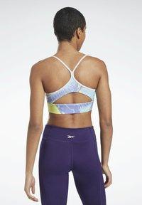 Reebok - WORKOUT READY PRINTED SPORTS BRA - Sports bra - purple - 2