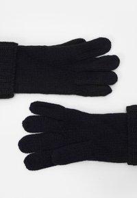 Michael Kors - SHAKER CABLE GLOVE UNISEX - Gloves - dark midnight - 1